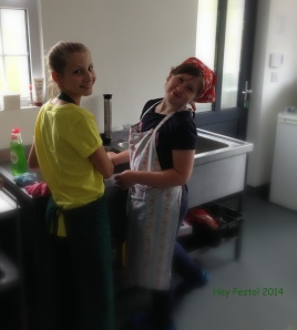 wash up - Aoife & Savannah