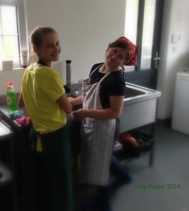 wash up - Aoife & Savannah